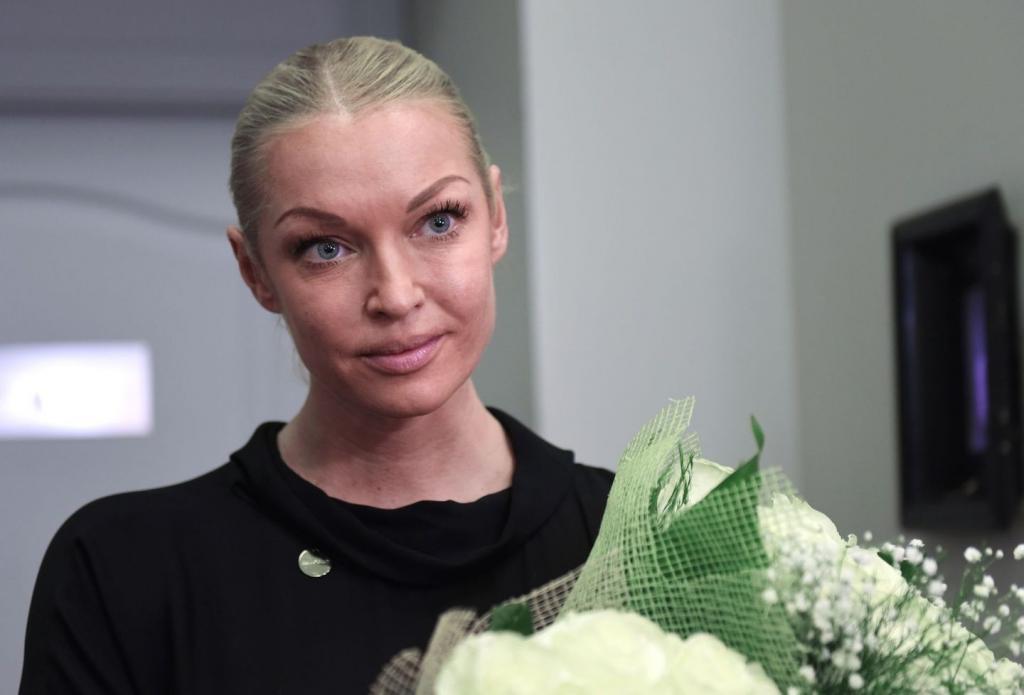 """""""Мне сейчас тяжело"""": Волочкова намерена продать 20 своих астраханских квартир, чтобы создать собственный творческий центр"""