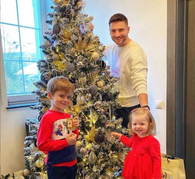 Детки в восторге: Сергей Лазарев показал, как украсил новогоднюю елку