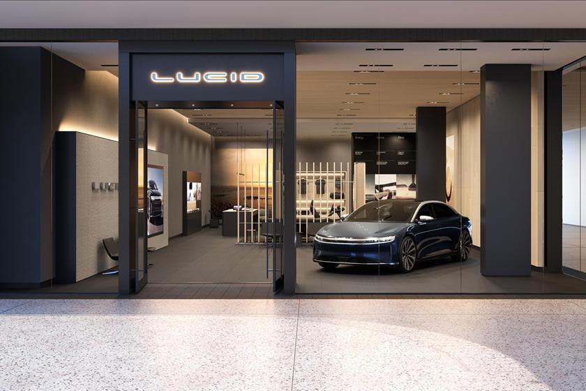 Дилерский центр играет большую роль: Lucid Air открыла представительство, где можно выбрать авто с помощью конфигуратора