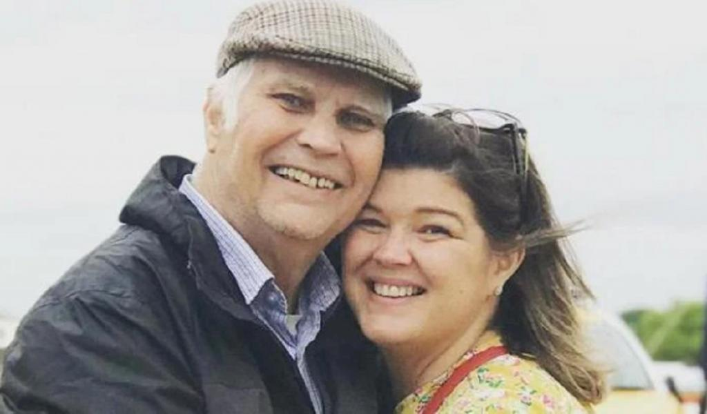 Британка Нина Амброуз бросила работу косметолога, чтобы устроиться в дом престарелых и быть рядом со своим отцом во время пандемии