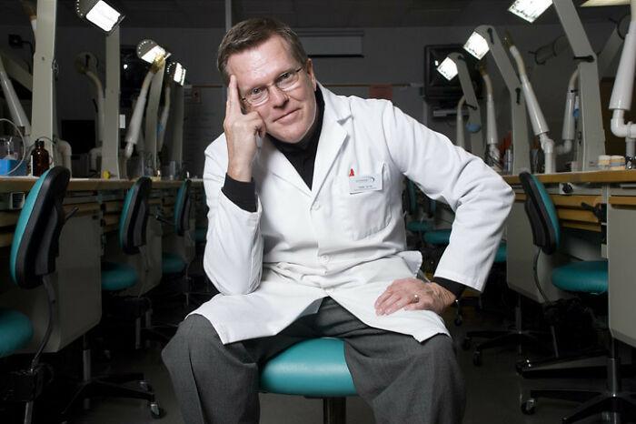 9 дантистов честно рассказали о том, зачем задают вопросы во время процедуры