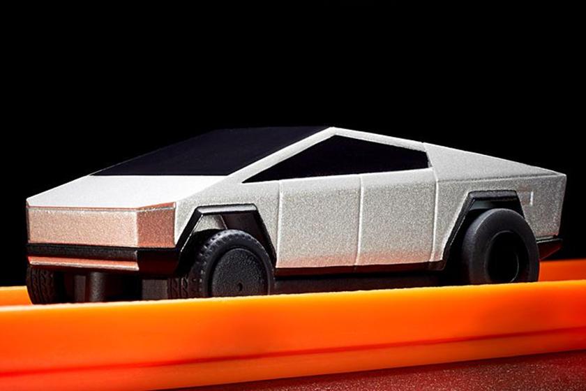 Tesla все время опаздывает: даже игрушечная версия Tesla Cybertruck была отложена