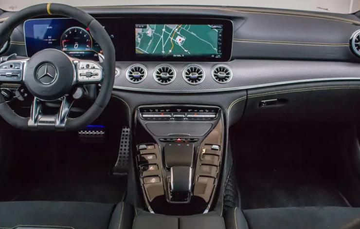 Некоторые четырехдверные Mercedes-AMG GT 53 и GT 63 2019-2020 годов отзываются из-за того, что колпаки их колес могут выпасть во время движения