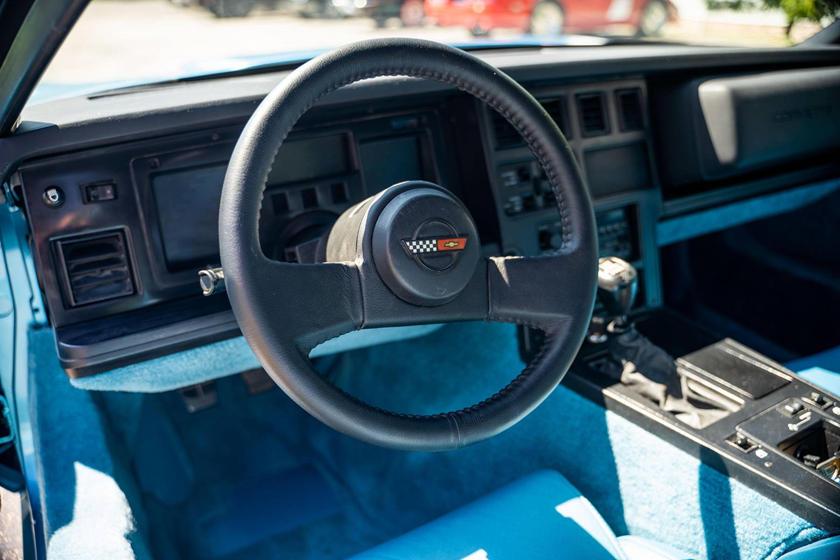 Особое место в истории Corvette: существуют всего два экземпляра этого сверхредкого прототипа Corvette ZR-1