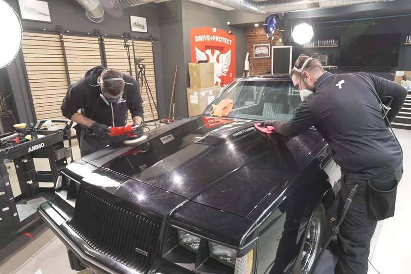 Компания Ammo Detailers реставрировала Buick Grand National, заброшенный в сарае на 34 года