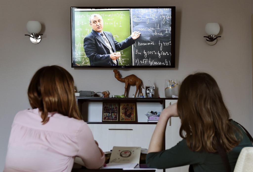 """""""Дистанционка"""" урона не нанесла: всероссийские контрольные и ЕГЭ не выявили критических пробелов в знаниях школьников"""