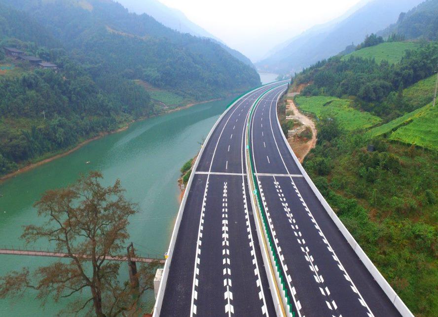 Как Китай освоил технику строительства дорог, которые считаются лучшими в мире