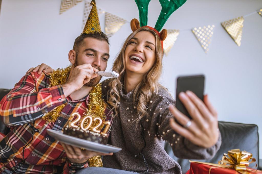 Не забываем припудриваться! Как нужно фотографироваться, чтобы новогодние фото получились всем на зависть: советы экспертов