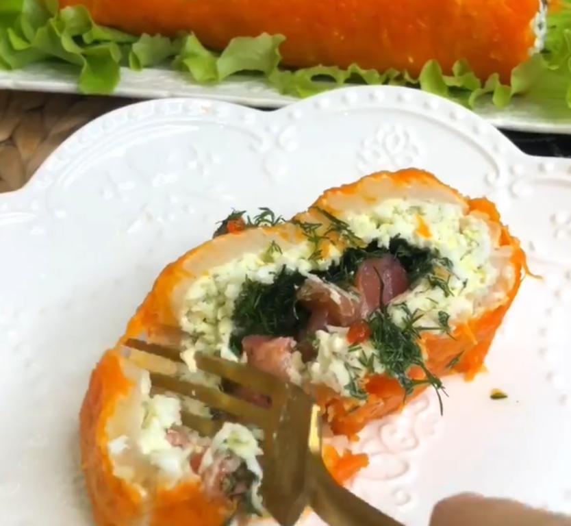 Мой фирменный салат по праву можно назвать царским: влюбляет в себя с первой ложки