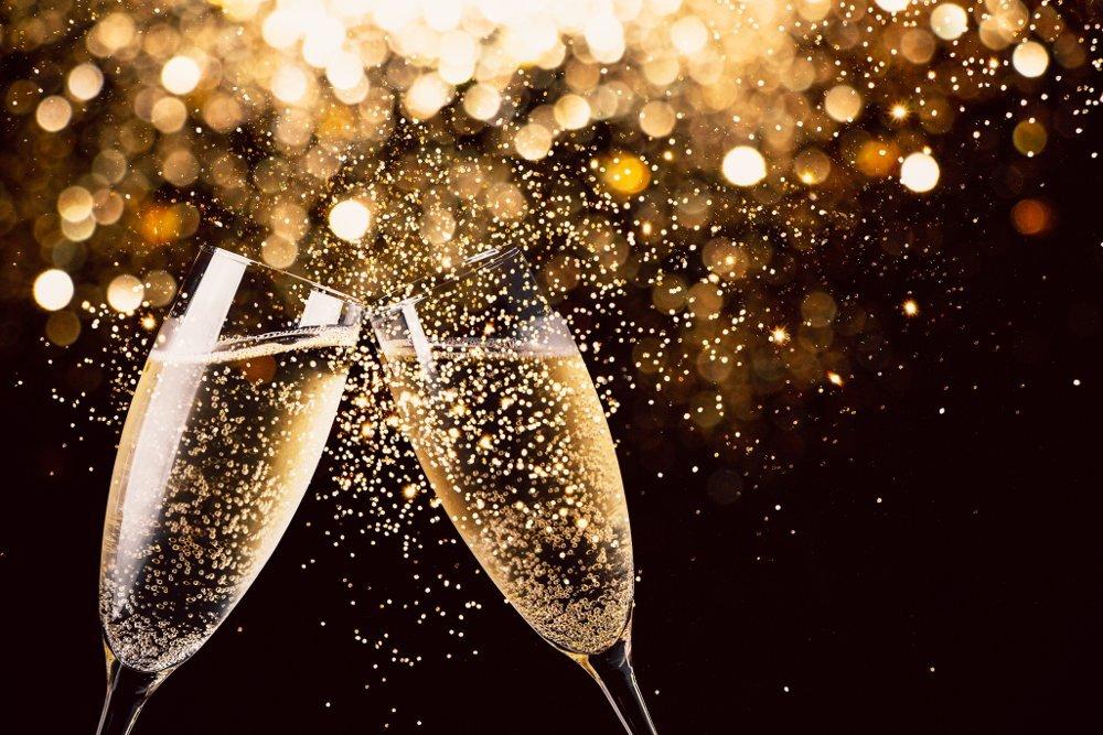 Флейты под шампанское не подходят: из каких бокалов нужно пить игристое вино