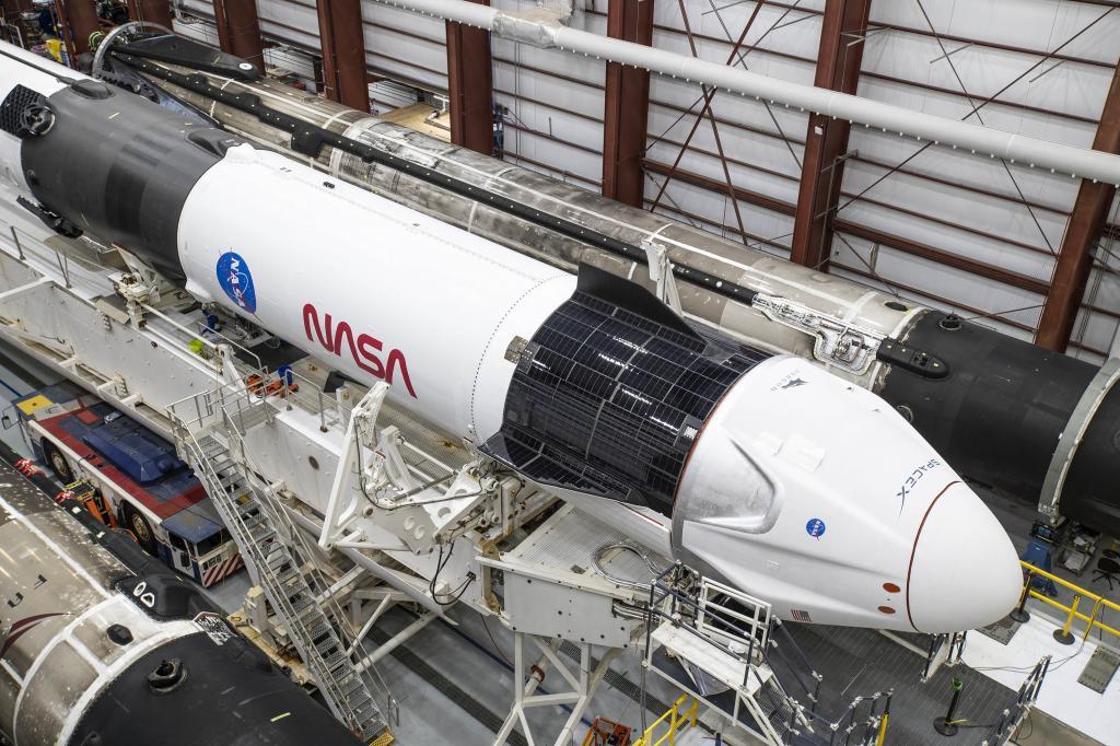 Илон Маск сообщил, что ракета-носитель SpaceX будет перезапущена по возвращении на Землю в течение часа для сокращения расходов