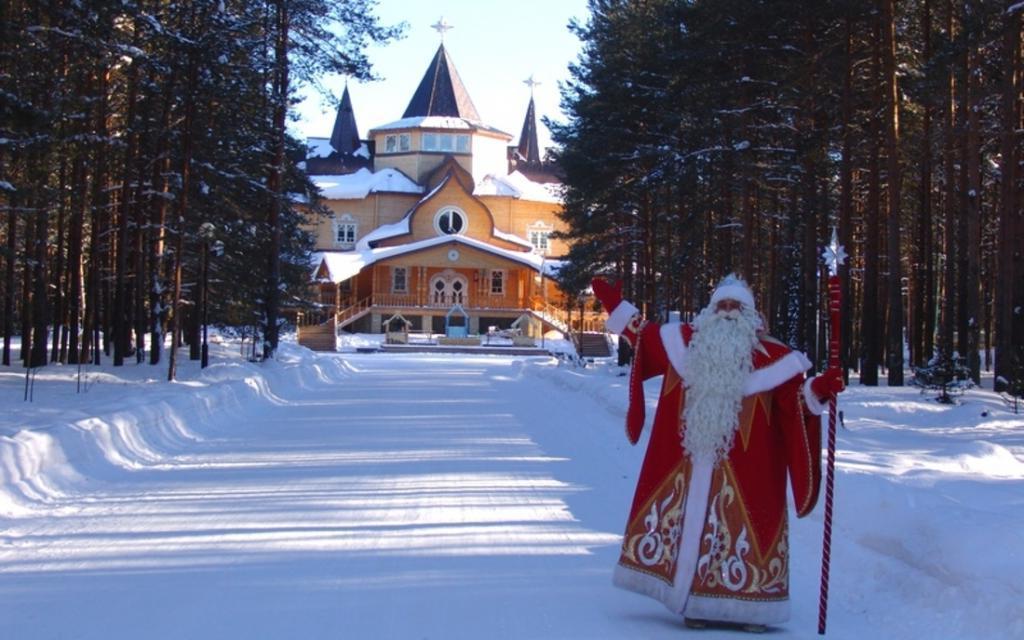Побывав в Вотчине Деда Мороза со старшими внучками, решила не везти в Великий Устюг младшую: плюсы и минусы путешествия