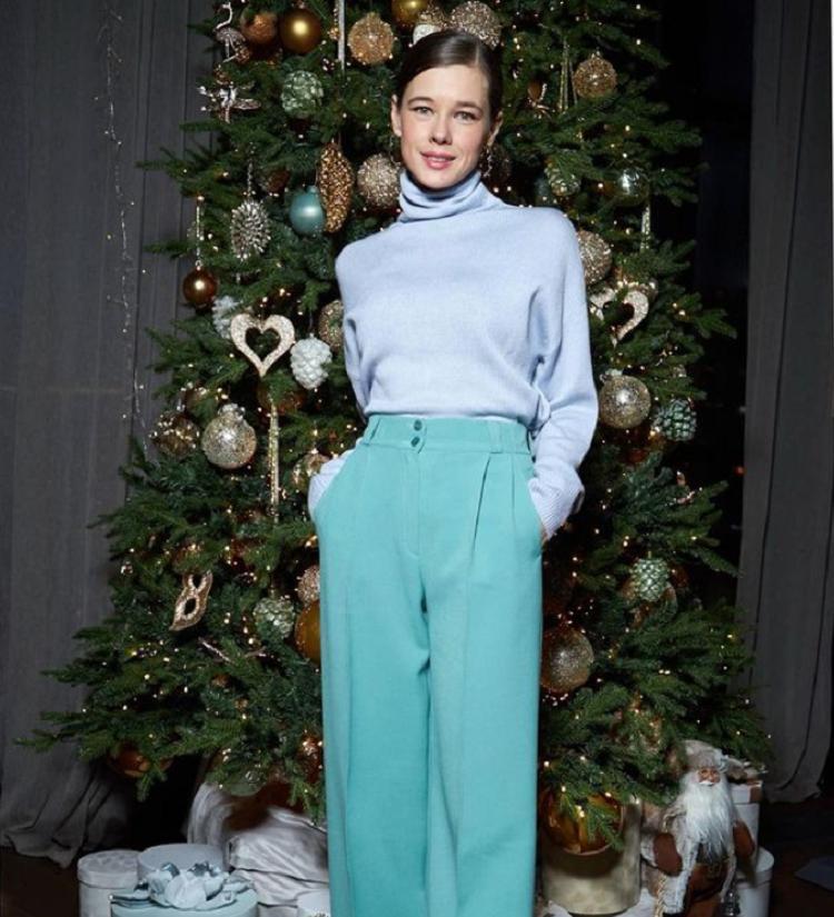 """""""Носочки в честь быка и семья - самое главное"""": Катерина Шпица устроила празднование Нового года вместе с родителями"""