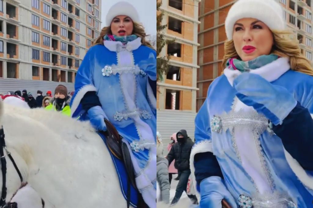 """""""Так на сцену я еще не ехала"""": Анна Семенович прокатилась верхом на белом коне на параде Снегурочек в Уфе"""