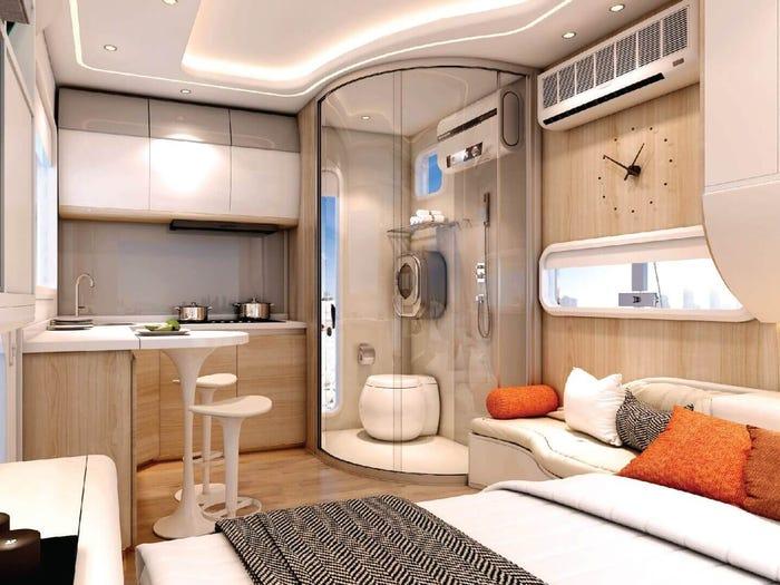 Крошечный дом для 4 человек выглядит, как космический корабль: как он выглядит внутри
