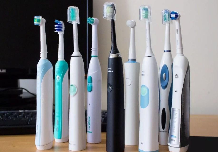 Хотя электрические зубные щетки набирают популярность, они не панацея, если неправильно чистить зубы