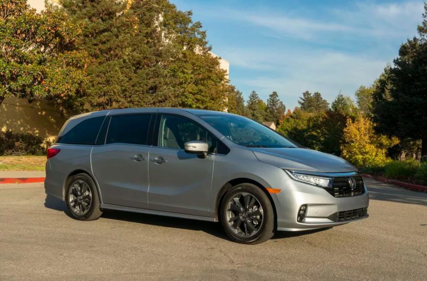 Honda Odyssey 2021 года: семейный стильный минивэн для перевозки детей и снаряжения с множеством встроенных опций