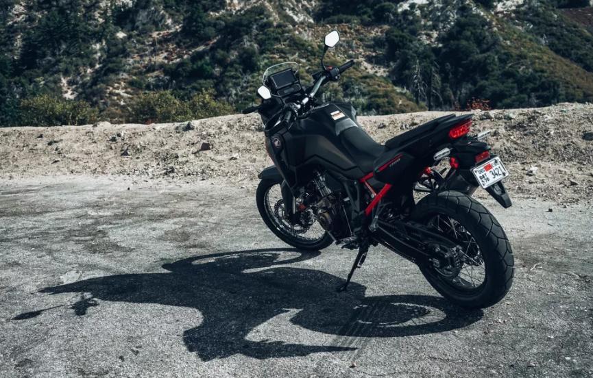Honda Africa Twin: красивый универсальный мотоцикл с уменьшенным весом идеален как на дороге, так и в бездорожье
