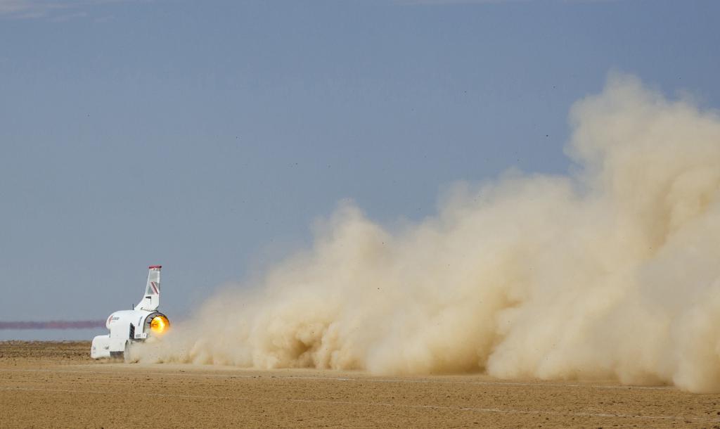 Команда реактивного авто Bloodhound собирается побить свой рекорд и достичь скорости 1287 км/ч