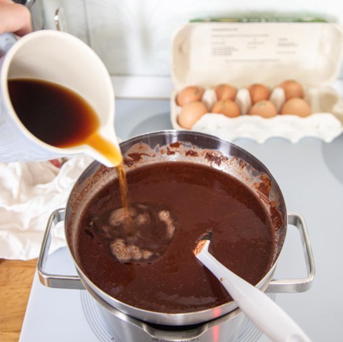 Кофейно-шоколадный торт без грамма муки: десерт, которым можно наслаждаться до бесконечности