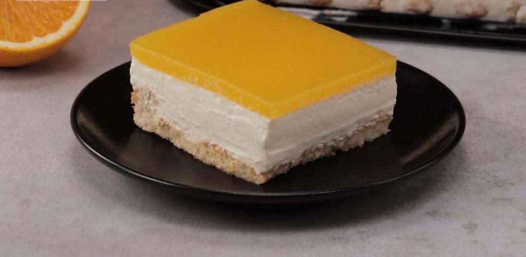 Даже в холодную зиму мой сливочный тортик с апельсиновым желе пользуется невероятным спросом: 2 часа в холодильнике, и можно наслаждаться этим лакомством