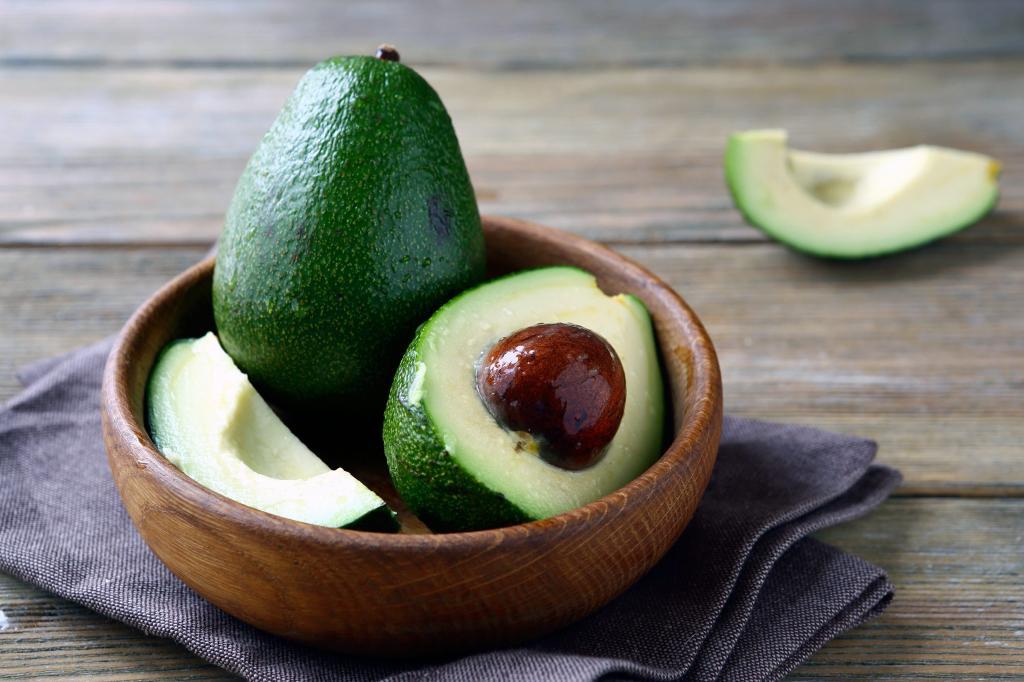 Из-за пандемии коронавируса в мире стали активно покупать авокадо