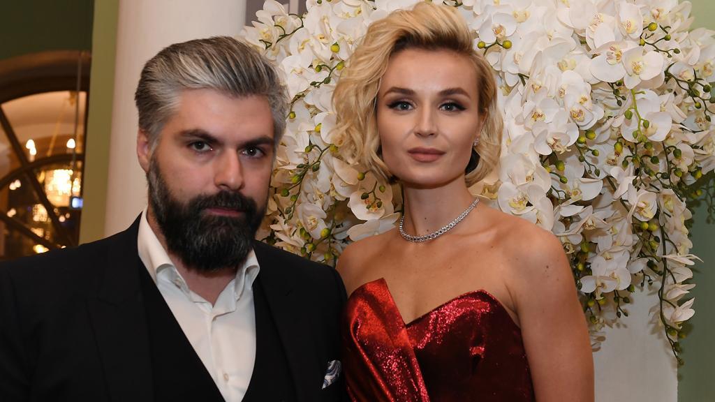 Крепкие пары, разводы которых стали для всех большой неожиданностью в 2020 году