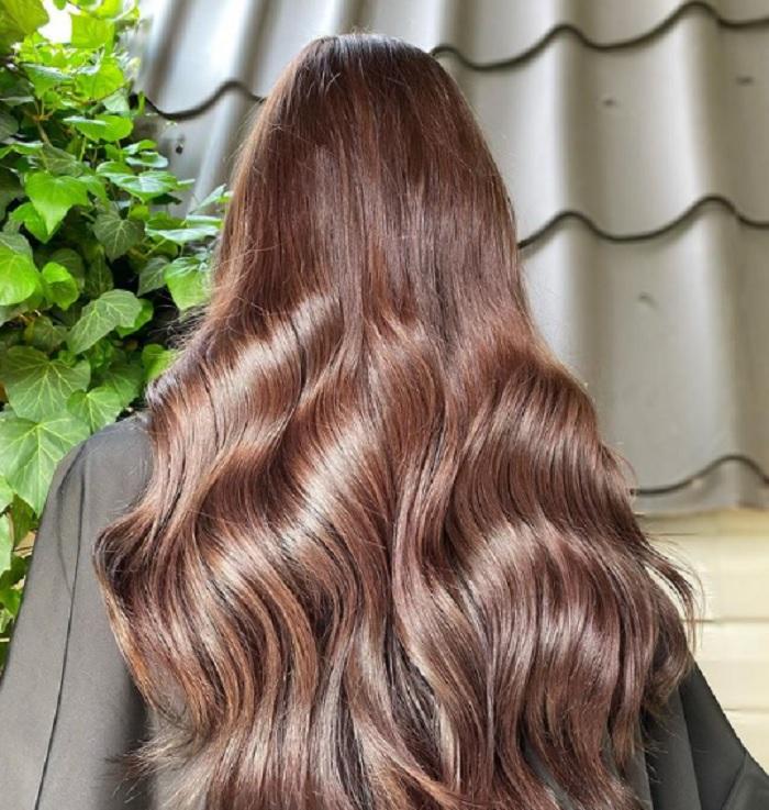 В какой цвет перекрасить волосы: четыре модных оттенка, которые подойдут всем