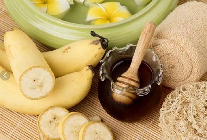 Бананово-медовая маска и другие домашние средства для рук против старения кожи: простые рецепты