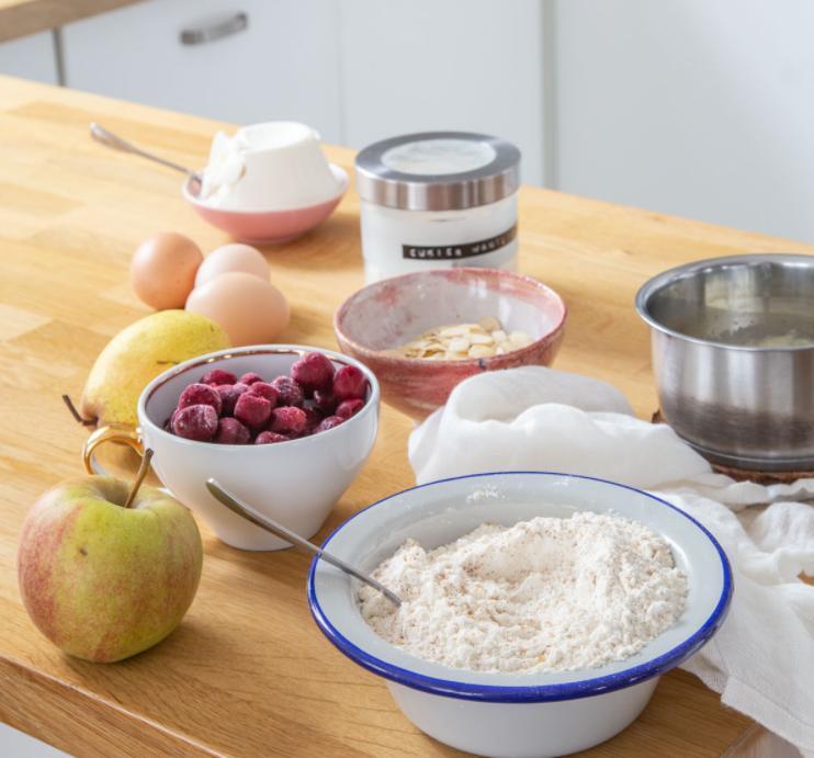 Люблю, когда десерты не только вкусные, но и полезные: рецепт творожного пирога с фруктами