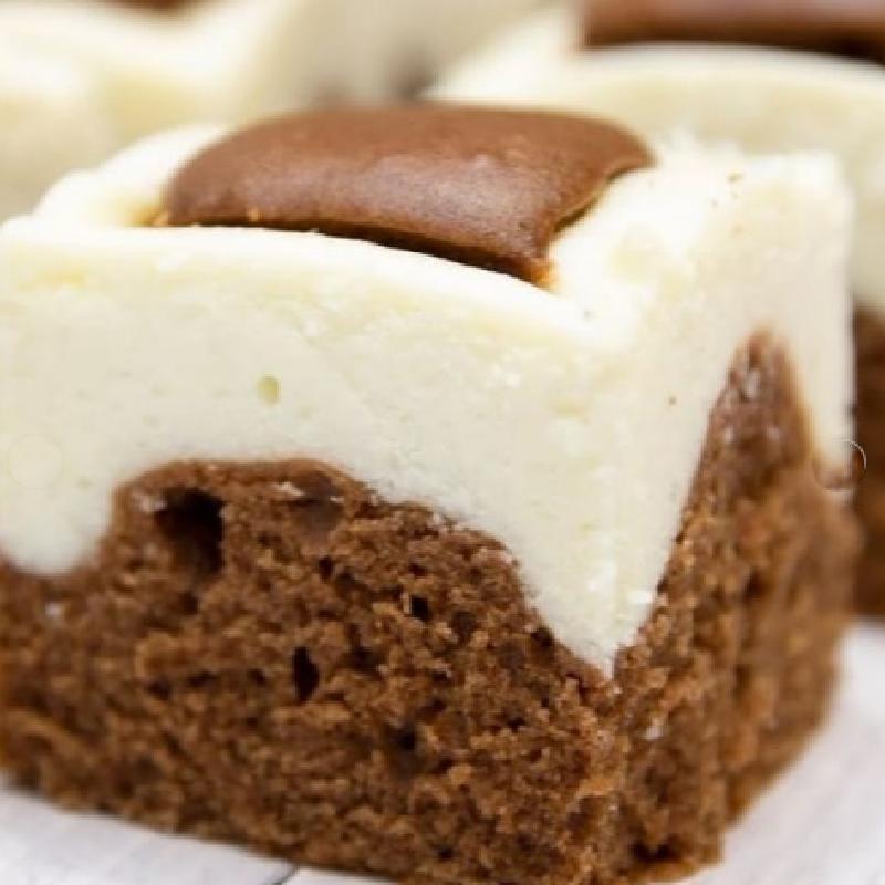 """""""Очень вкусное сочетание шоколадного теста и творожного"""": Наталия Антонова поделилась рецептом праздничного пирога"""