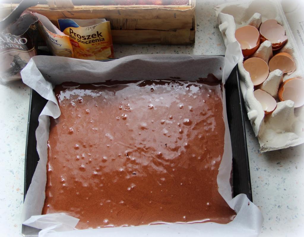 """Шоколадно-бисквитный торт """"Юрта"""" с нежным ягодным муссом внутри: десерт, который просто тает во рту"""