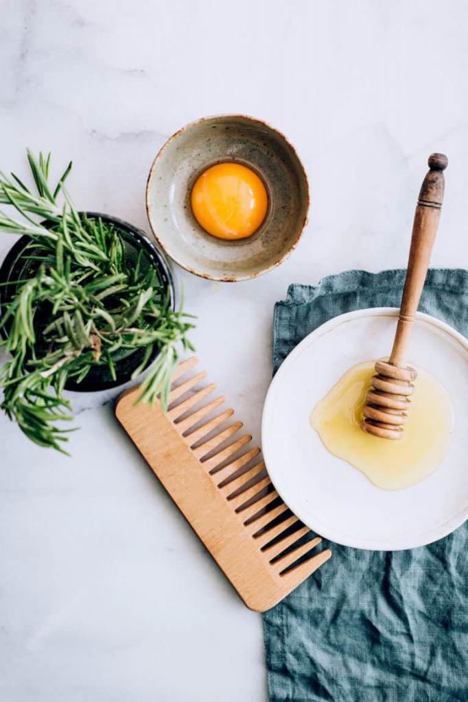 Научилась сама готовить домашние эффективные средства от секущихся кончиков. Рекомендую 4 рецепта, которые подойдут для любых волос