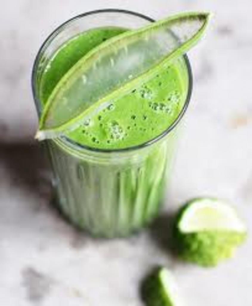 Готовим домашний полезный смузи с алоэ. Он помогает в похудении, укрепляет иммунитет и получается очень вкусным