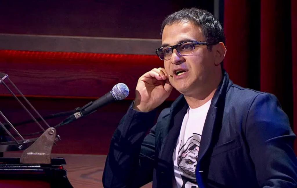 """Гарик Харламов нашел """"двойника"""" Мартиросяна и показал его фото всем: мужчина из Израиля и вправду очень похож на шоумена"""