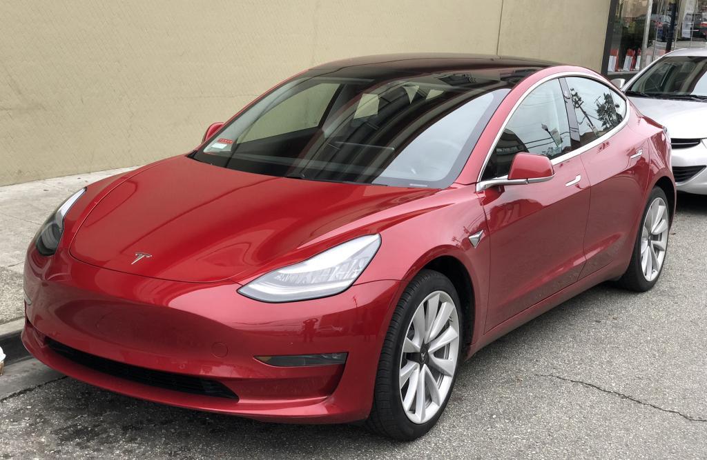 """Tesla предлагает ремонтным мастерским использовать выражение """"легкие исправления"""" при устранении потенциально опасных проблем"""