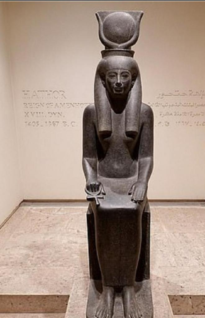 Неграмотные шахтеры 4000 лет назад изобрели алфавит в Древнем Египте, превратив иероглифы в буквы