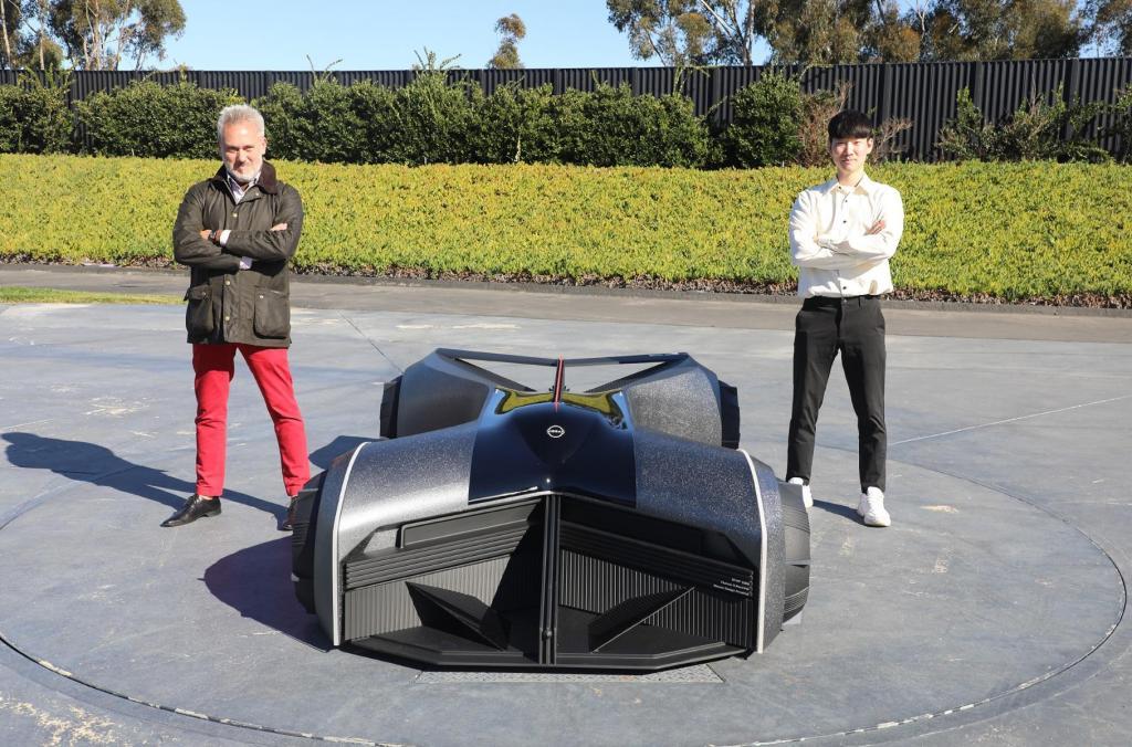 Nissan презентовал автономный футуристический суперкар, подключенный к человеческому мозгу