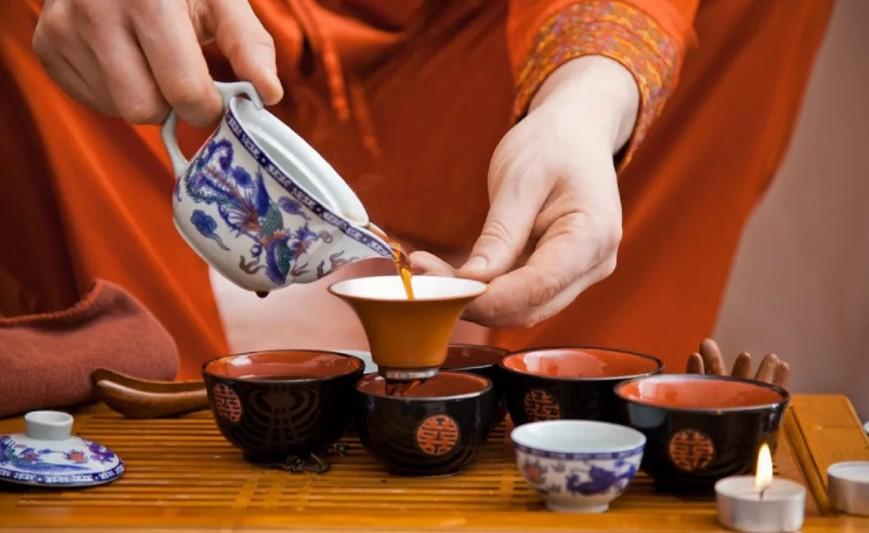 Исследование показало, что две чашки китайского чая улун сжигают жир даже во время сна