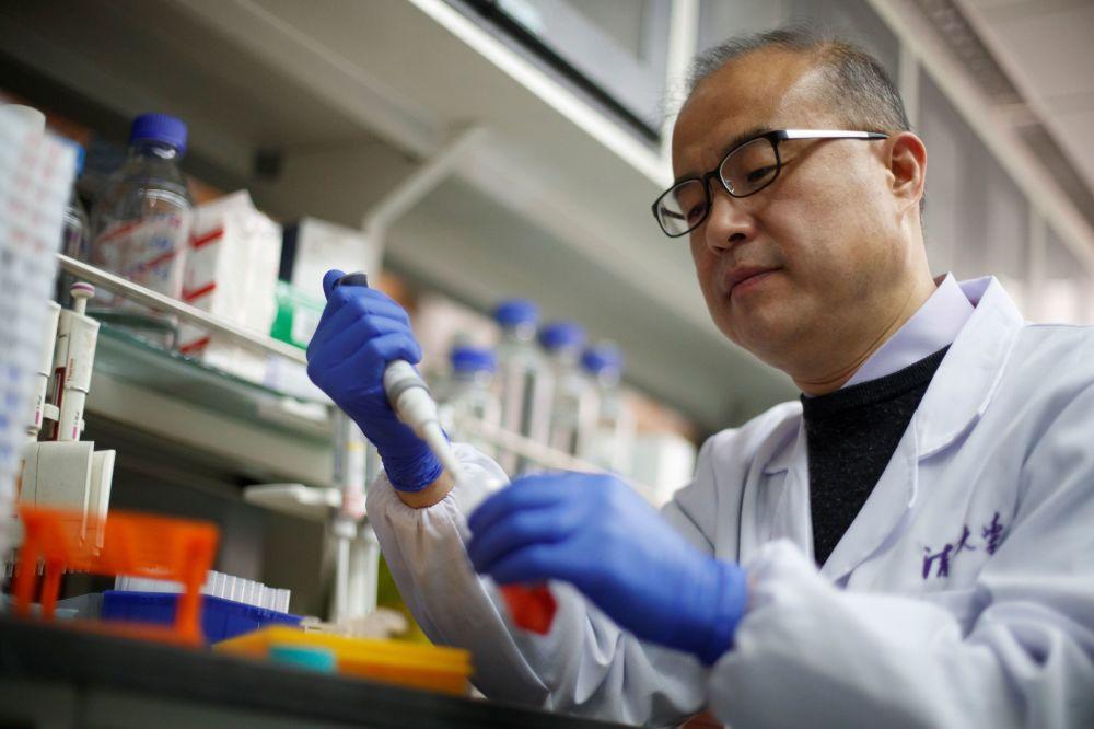 Медработники, таможенники, грузчики: в Китае вакцинировали 9 миллионов человек из ключевых групп населения