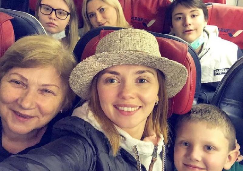 Победительница «Ледникового периода» Ольга Кузьмина отправилась с сыном в Занзибар