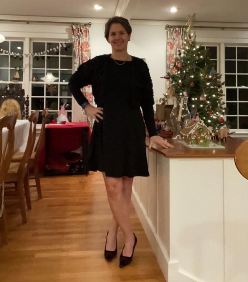 """""""Носила одно платье 100 дней подряд"""": женщина из США поделилась результатами эксперимента и пообещала не покупать одежду в 2021 году"""