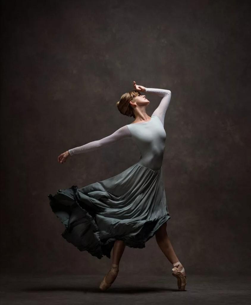Устала исправлять тех, кто называет меня танцовщИцей: объясняю, как говорить правильно