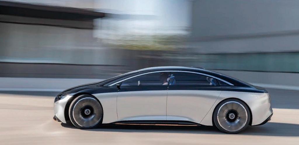 Будет ли отвлекать водителя большой монитор в авто? Mercedes показал широкий гиперэкран приборной панели для своего электрического лимузина