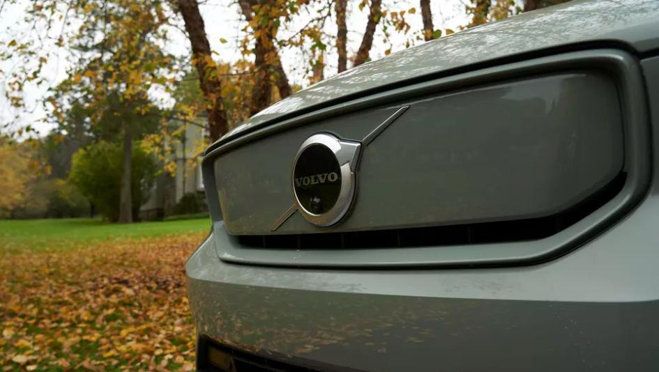 Вслед за XC40 Recharge новая модель электромобиля Volvo будет запущена в производство в 2021 году, по мере восстановления продаж
