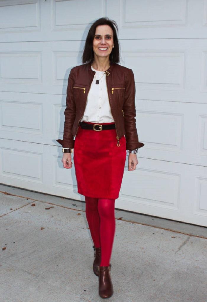Как носить несколько кожаных вещей сразу и при этом не выглядеть как рокерша: популярный тренд, который стоит примерить зрелым женщинам