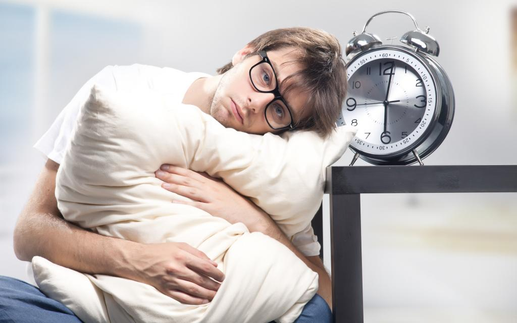Медики дали советы, как восстановить сон после коронавируса