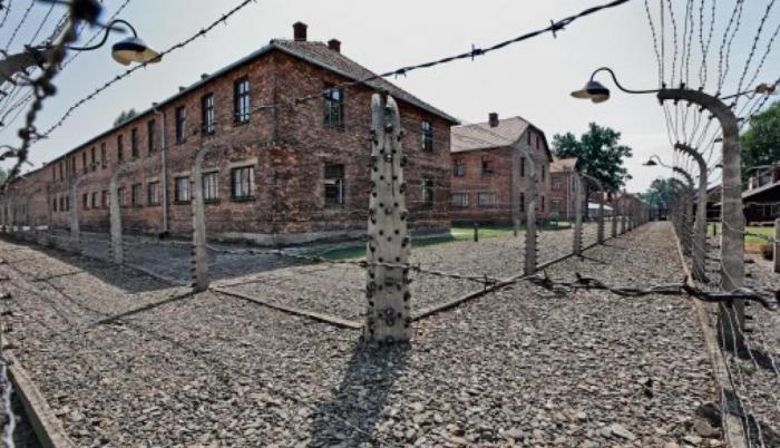Менгеле прошел путь от врача в дивизии СС до палача в концлагере