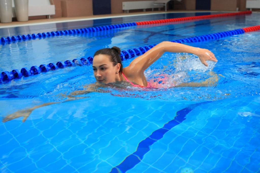 Бег или плавание: тренер рассказал, что лучше выбрать для улучшения общего состояния здоровья