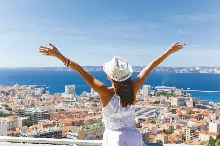 Туроператоры не ожидают восстановления выездного туризма раньше весны: как мы будем путешествовать в 2021 году